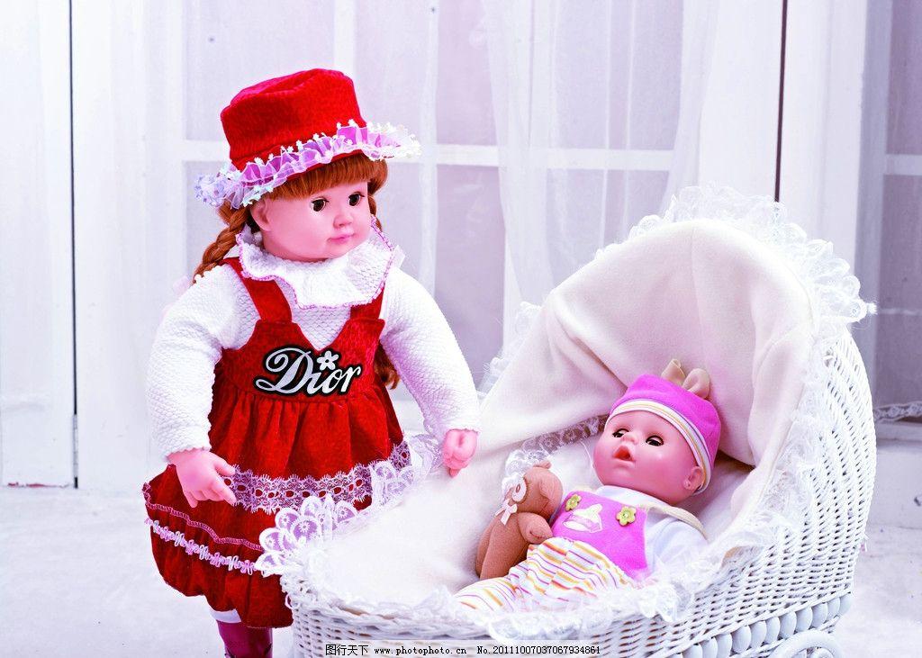 特写 芭比 芭比娃娃 可爱 毛茸玩具 公主 小女孩 生活素材 生活百科