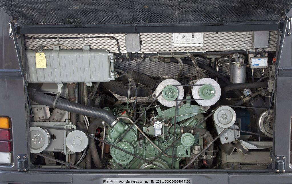 奔驰巴士发动机图片
