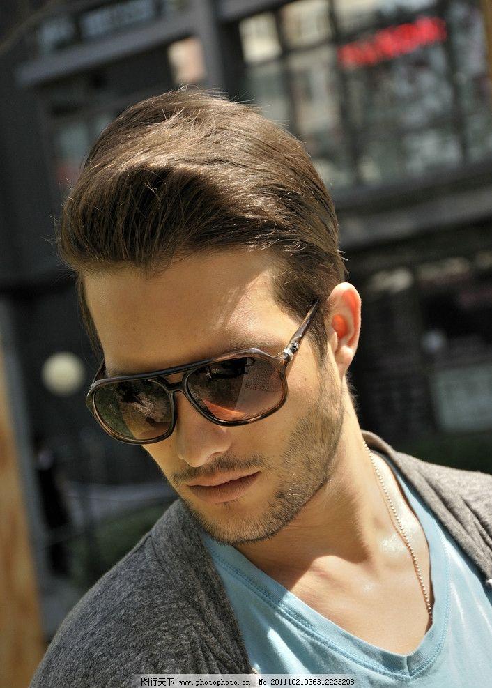 戴眼镜的男模 男人 胡子 眼镜 模特 时尚 国外 外国 帅气 男模 人物