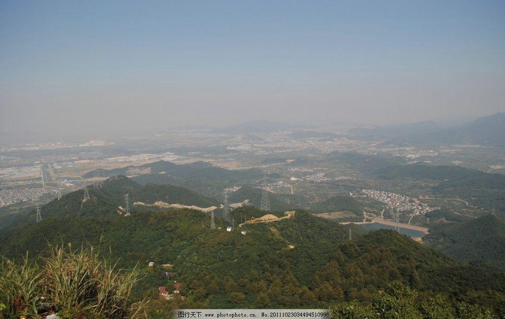 宁波北仑九峰山 绿草 建筑 山峦 绿山 山水风景 自然景观 摄影 300dpi