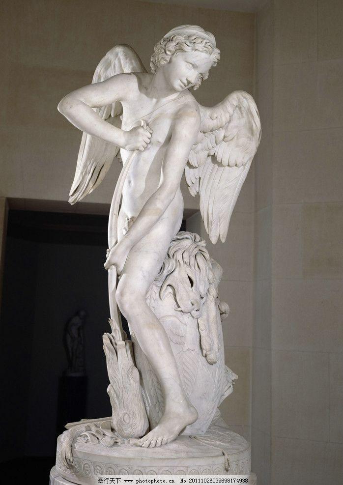 天使雕塑 石膏 雕塑 天使 白色 人物 女人 站着 翅膀 狮子头 鱼身