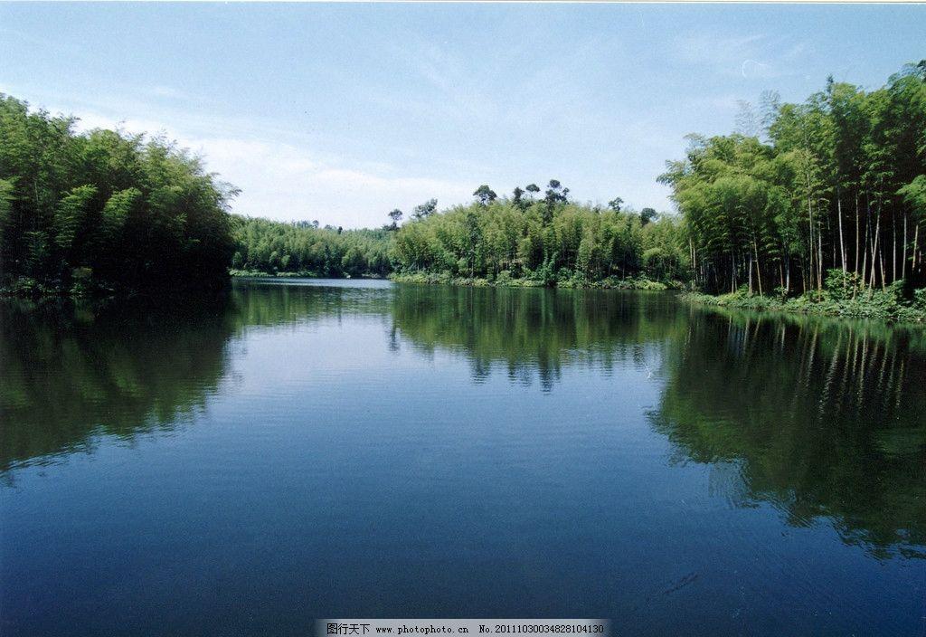 湖泊森林图片