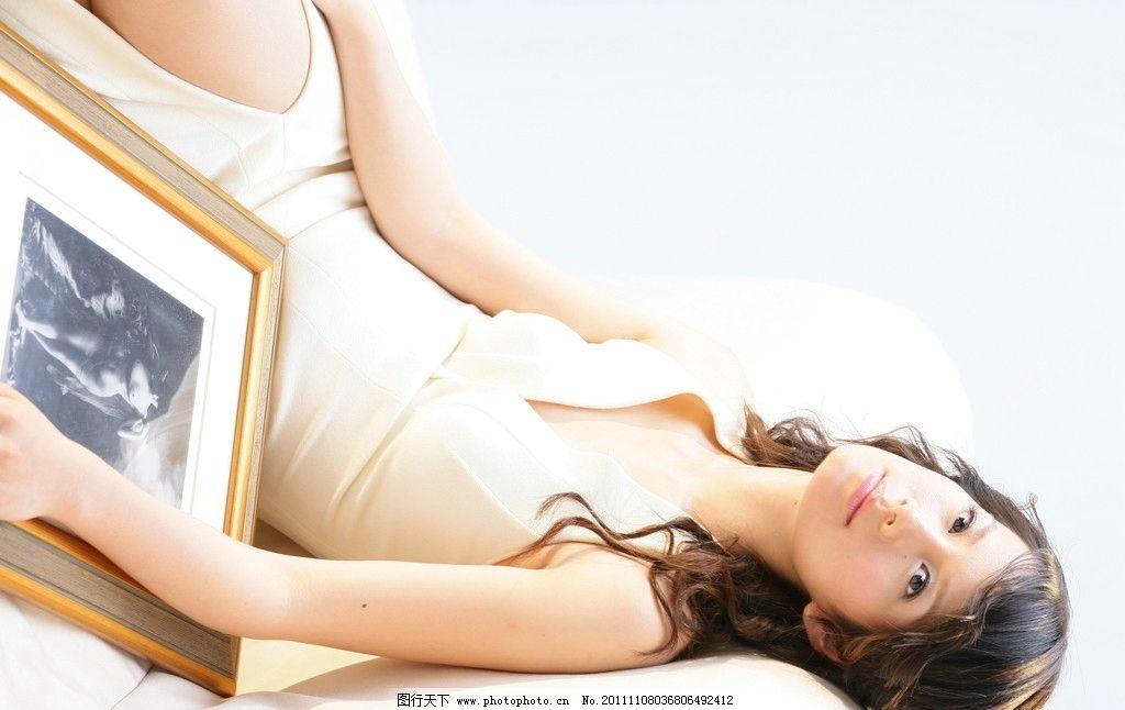 清纯妹妹 长发 美女 漂亮 阳光 白色 微笑 女人 女性 人物 摄影 任务