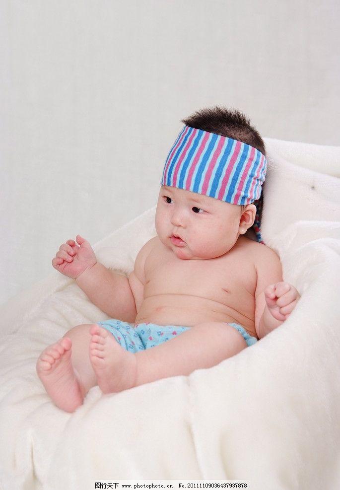 时尚小孩 头巾 可爱 娃娃 毛毛 卡哇伊 儿童幼儿 人物图库 摄影 72dpi