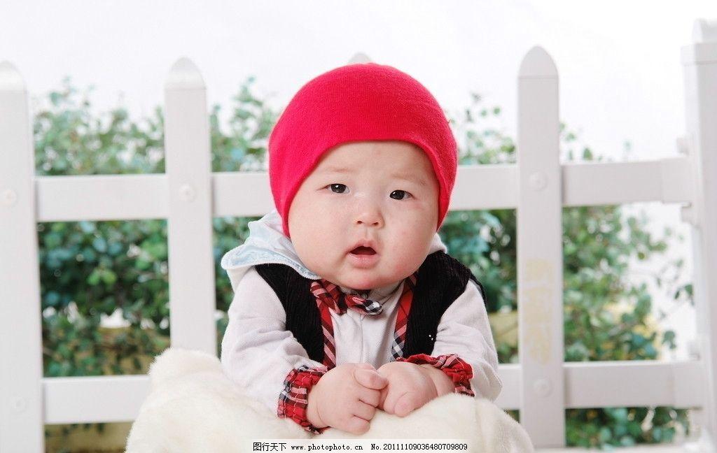 小孩 可爱 红帽子 卡哇伊 时尚 娃娃 儿童幼儿 人物图库 摄影 72dpi