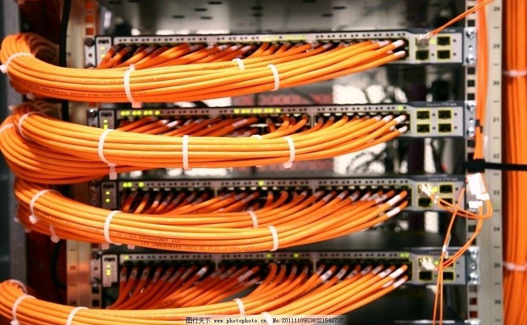 设计图库 现代科技 科学研究  数据线 光纤 数据中心 idc 机房 服务器