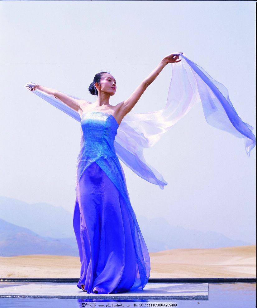 孔雀舞 杨丽萍 长裙 轻纱 民族舞蹈 舞蹈音乐 文化艺术 摄影 157dpi j