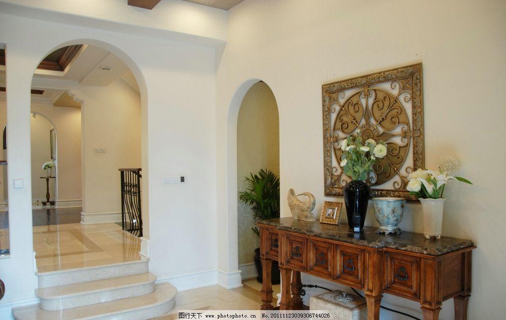 别墅客厅高贵 欧式 室内 简约      桌子 花瓶 室内摄影 建筑园林