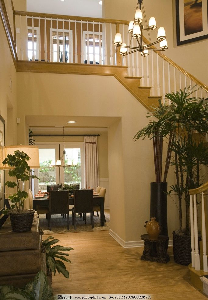 楼梯 别墅 客厅图片