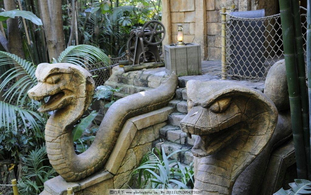 眼镜蛇雕像 眼镜蛇 雕像 保护神 图腾 雕塑 动物 摄影 蛇 展览品文物