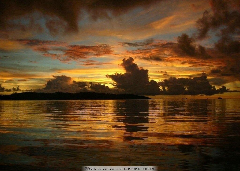 夕阳海边图片