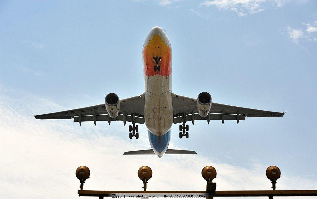 起飞 起航 启航 飞机 交通工具 现代科技 摄影 300dpi jpg