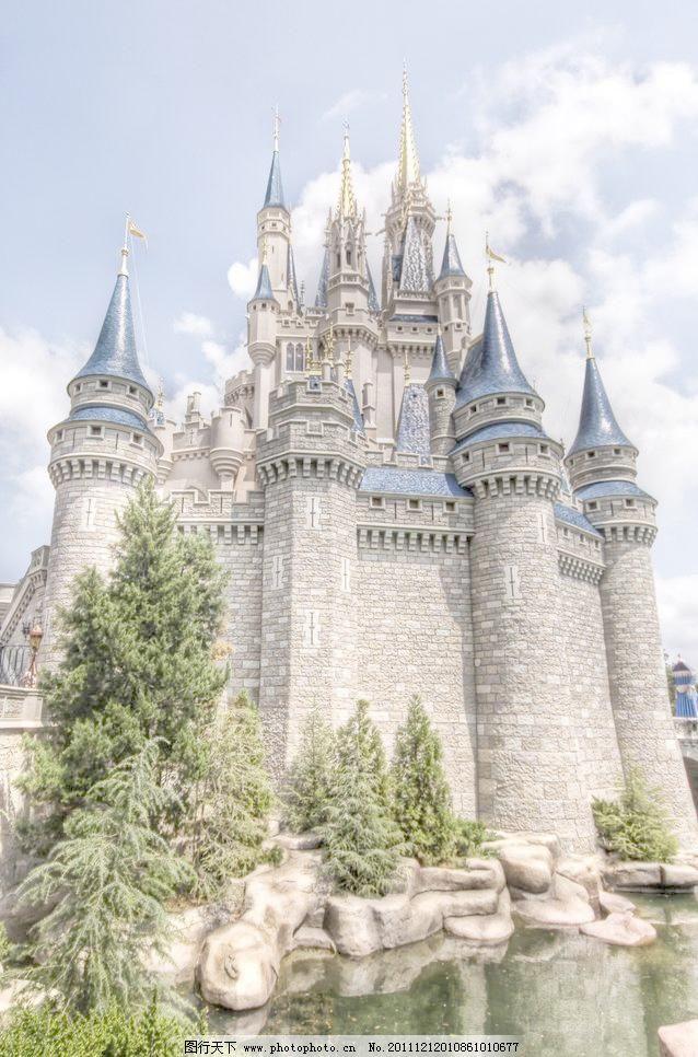 欧式尖塔城堡图片