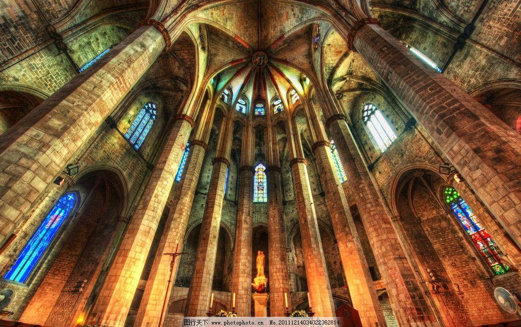 宗教教堂场景 教堂大厅 过道 石柱 玻璃窗 讲台 欧洲基督教堂图片