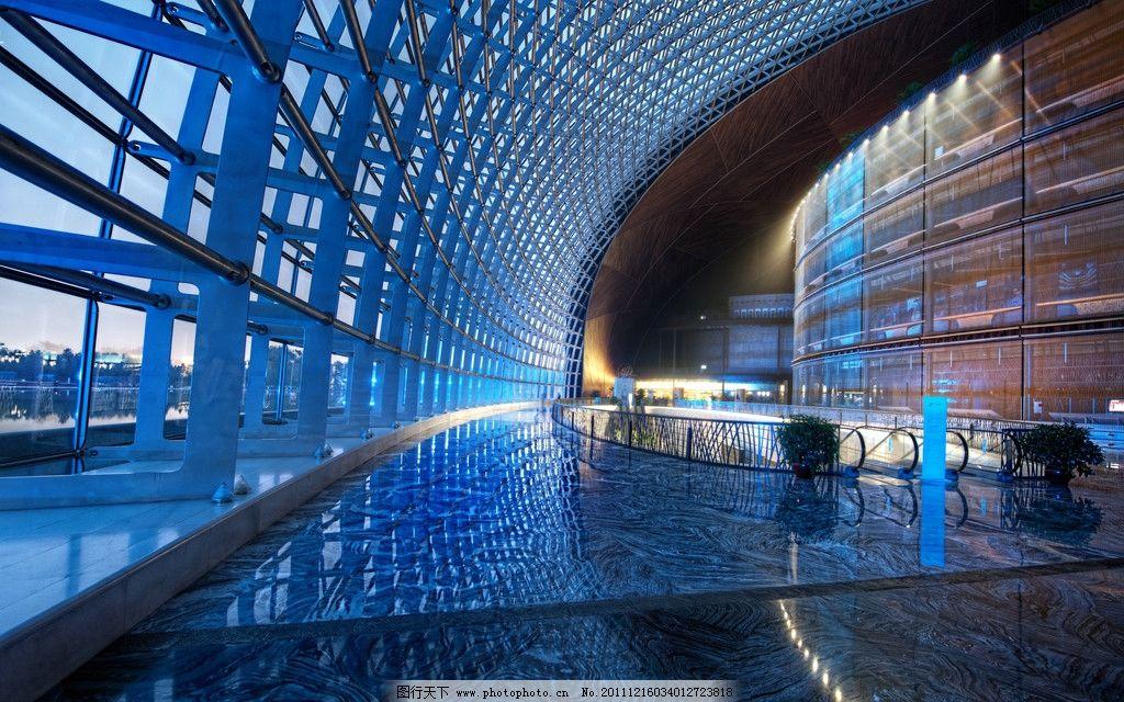 星级酒店 休闲娱乐 吊灯 灯光 钢结构建筑 都市 城市建筑艺术 华丽