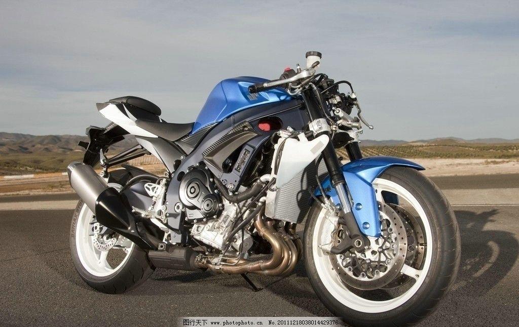 铃木 摩托车 车身大 款式新颖 双缸发动机 一匙点火 秒间提速 多档